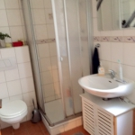 1- Duschbad mit Fenster