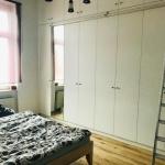 Schlafzimmer mit Einbauschrank - Kopie